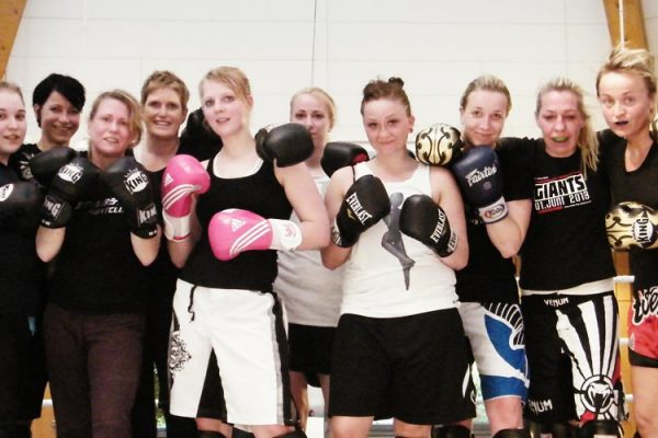Frauentraining! Muay Thai Duisburg